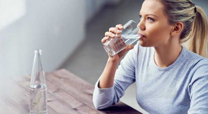 Uống nhiều nước góp phần giúp điều trị bệnh đạt hiệu quả cao