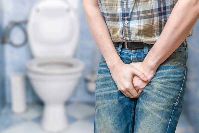 Tiểu buốt có mủ ở nam giới cho thấy cơ thể đang mắc một số bệnh nguy hiểm liên quan đến bộ phận sinh dục, thận, hoặc bàng quang