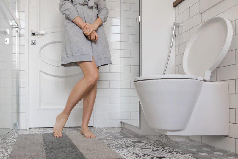 Tiểu rắt ở nữ là hiện tượng đi tiểu nhiều lần với lượng nước tiểu rất ít