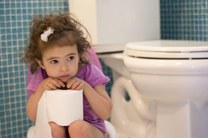 Tiểu rắt ở trẻ em là hiện tượng thường gặp ở trẻ độ tuổi từ 5-9