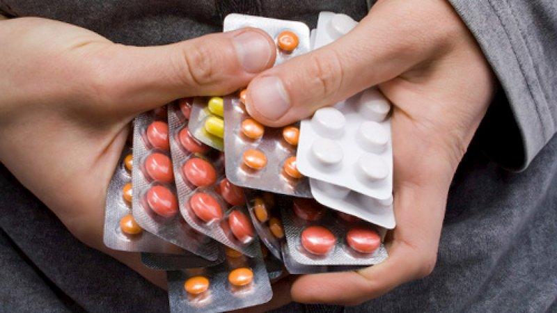 Người bệnh không nên tự ý mua thuốc Tây y để trị trào ngược dạ dày bị ho