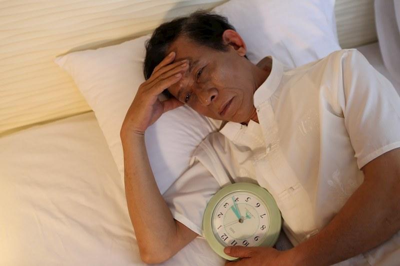 Mất ngủ là triệu chứng thường gặp khi mắc bệnh trào ngược ban đêm