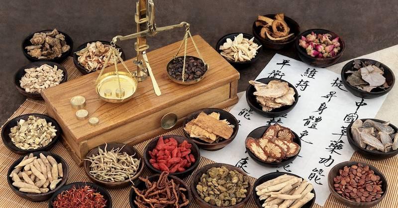 Thuốc Đông y sử dụng thảo dược thiên nhiên nên rất an toàn đối với người bệnh