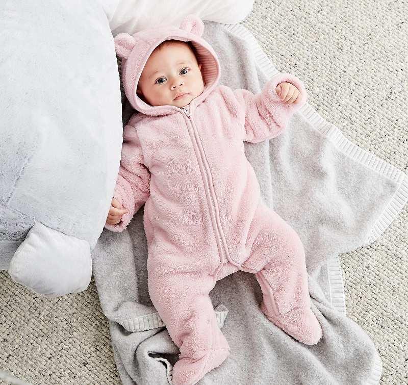 Khi bé bị ho cần được mặc ấm