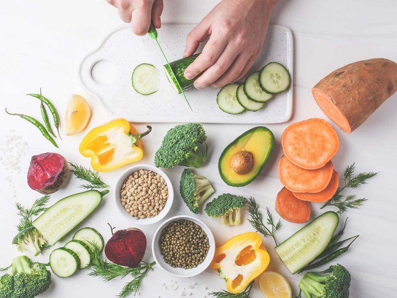 Chế độ dinh dưỡng là một phần quan trọng không thể thiếu giúp chị em phục hồi nhanh chóng và giảm tối đa các biến chứng ngoài ý muốn.