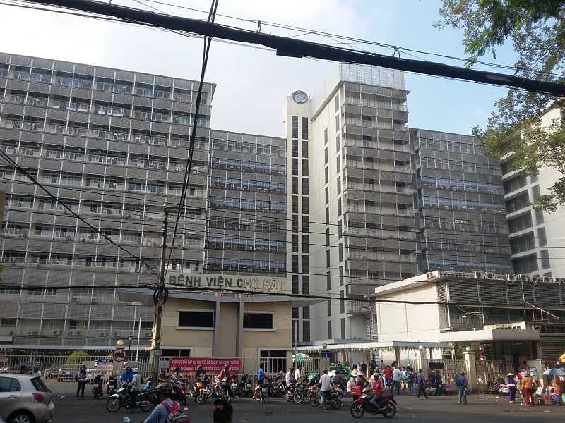 Bạn có thể đến thăm khám và chữa tiểu buốt tại bệnh viện Chợ Rẫy TPHCM