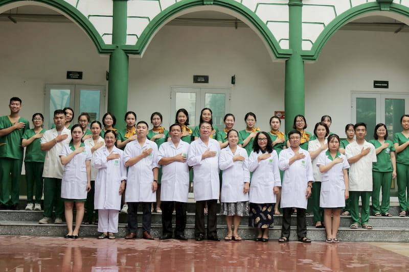 Bệnh viện Đa khoa YHCT Quân Dân 102 - Tự hào sở hữu đội ngũ y bác sĩ giàu kinh nghiệm, giỏi chuyên môn