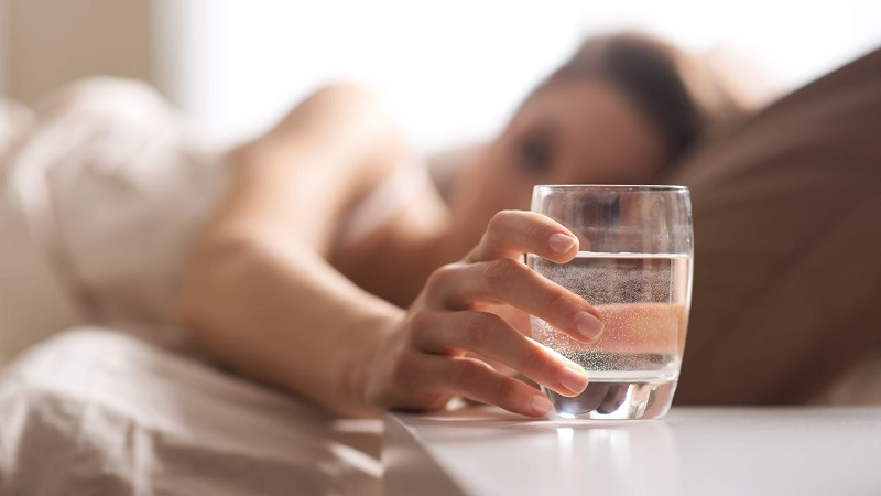 Trào ngược dạ dày nên uống gì là thắc mắc của không ít bệnh nhân.