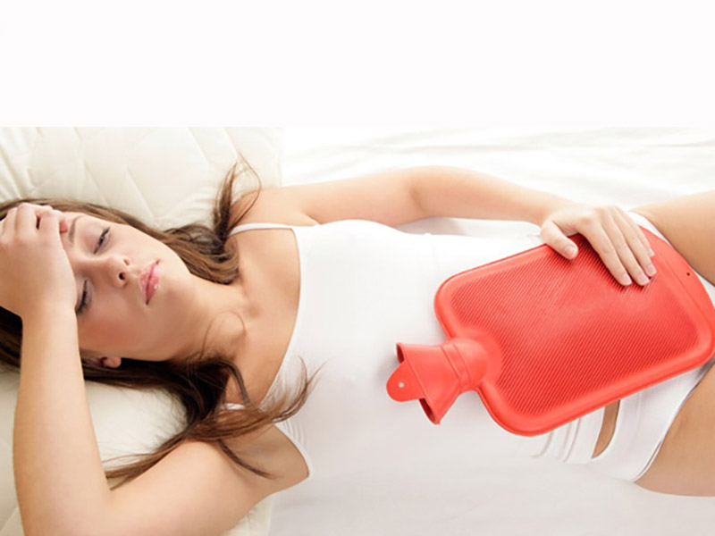 Chườm ấm bụng là một trong những cách chữa bệnh vừa đơn giản vừa mang lại hiệu quả cao
