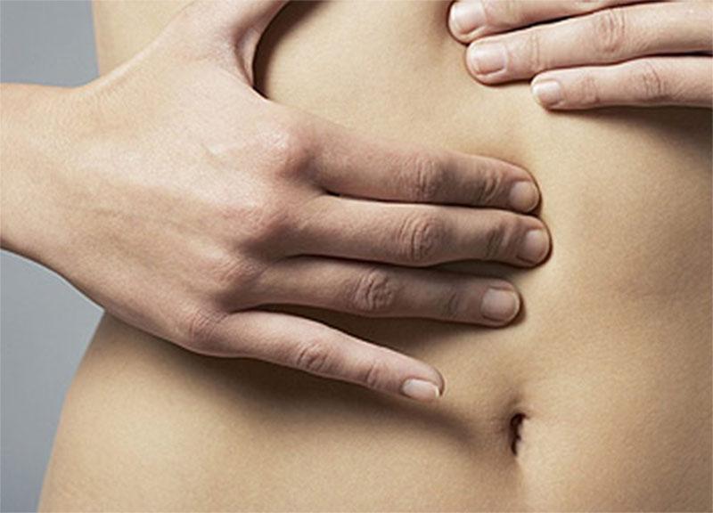 Đau bụng trên rốn có thể là dấu hiệu của bệnh viêm đại tràng
