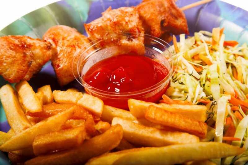Khi bị dị ứng thời tiết, bạn không nên ăn các loại đồ ăn cay nóng, nhiều dầu mỡ