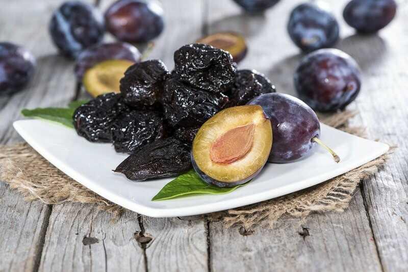 Mận sấy khô là loại quả nên ăn khi bị dị ứng