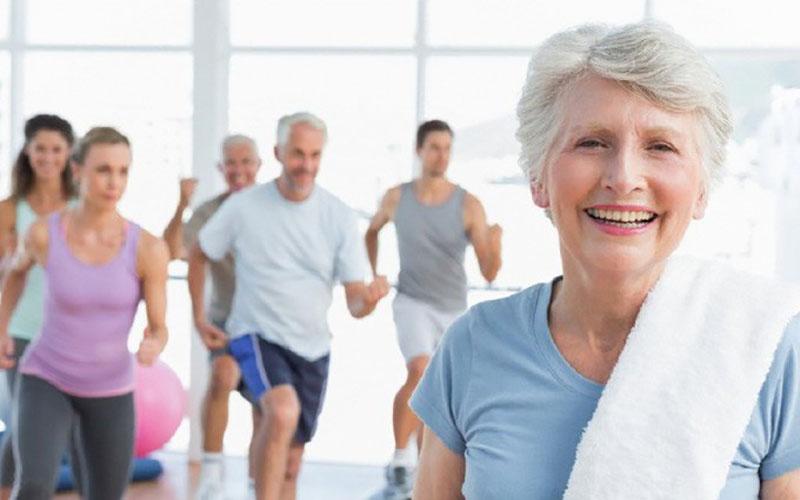 Việc tập luyện không chỉ giúp điều trị bệnh mà còn giúp người bệnh vui vẻ, yêu đời hơn
