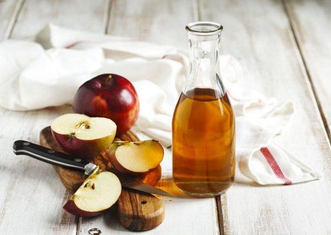 Giấm táo có chứa nhiều hoạt chất có khả năng tiêu viêm, kháng khuẩn nên có tác dụng điều trị bệnh tiêu rắt