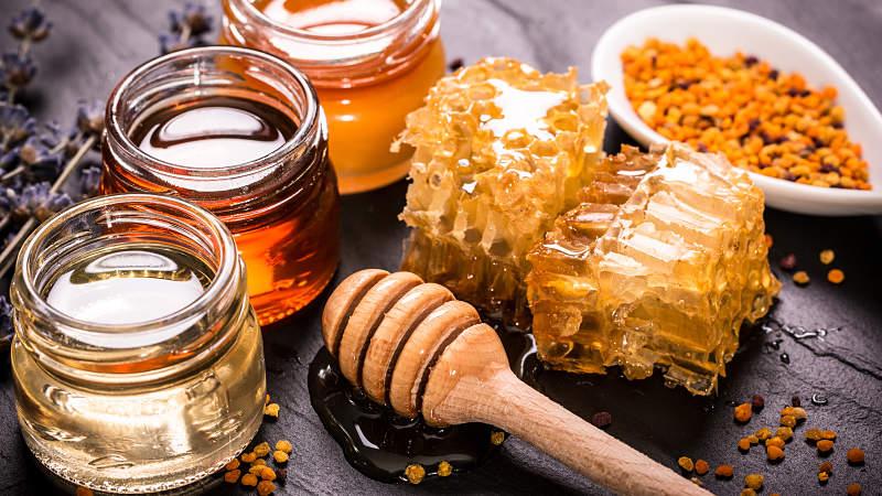 Mật ong có đặc tính kháng khuẩn, sát trùng trên da