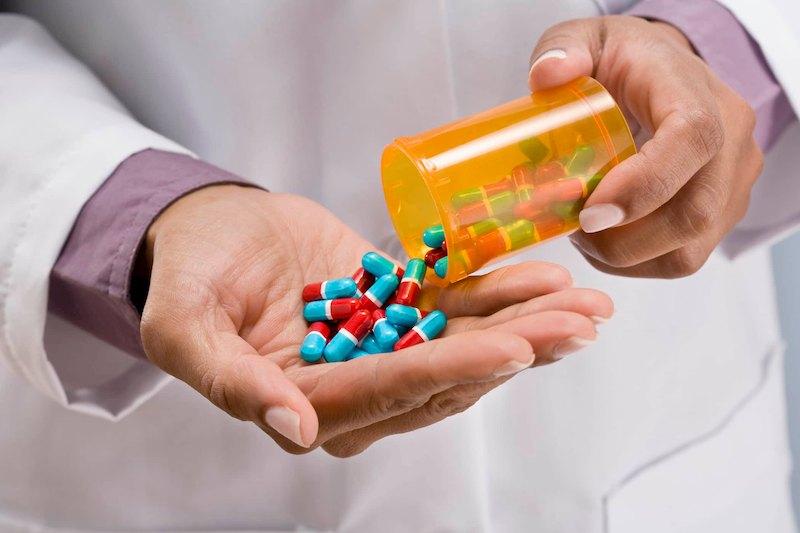 Sử dụng thuốc Tây y giúp loại nhanh triệu chứng trào ngược dạ dày thực quản