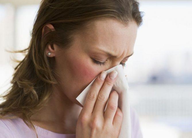 Viêm xoang là nguyên nhân gây ra ho và sổ mũi