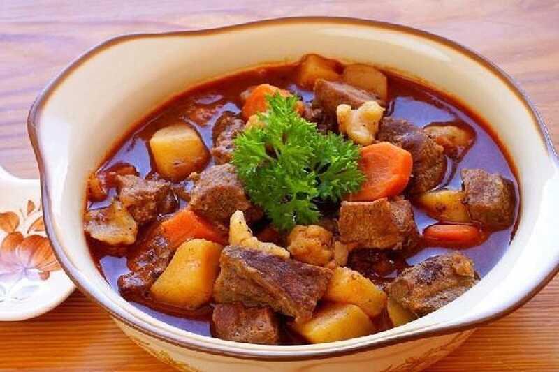 Súp thịt bò khoai tây cà rốt rất tốt cho người bị ho