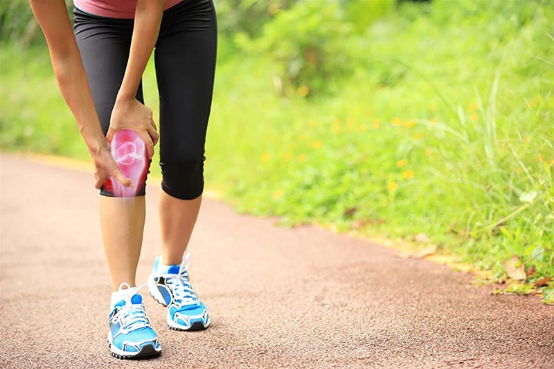 Người bệnh thoái hóa khớp gối có nên đi bộ không?