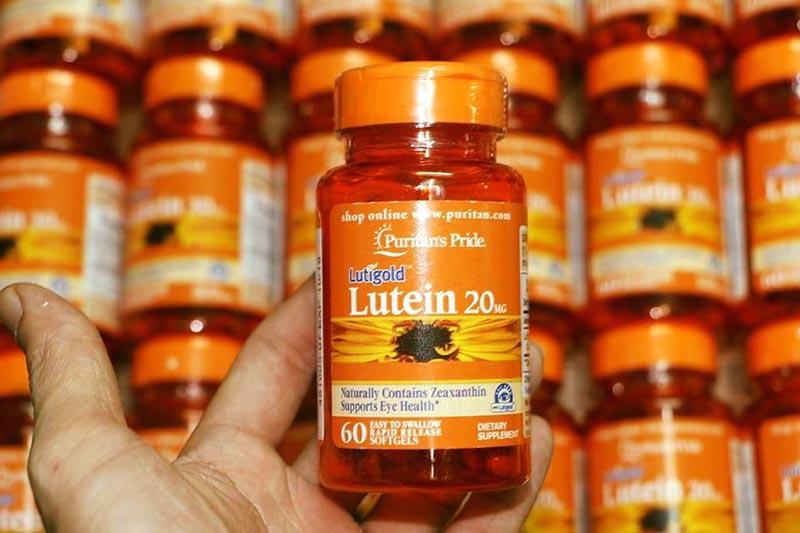Puritan's Pride chứa thành phần chính là 20mg Lutein - một loại vitamin cần thiết cho đôi mắt