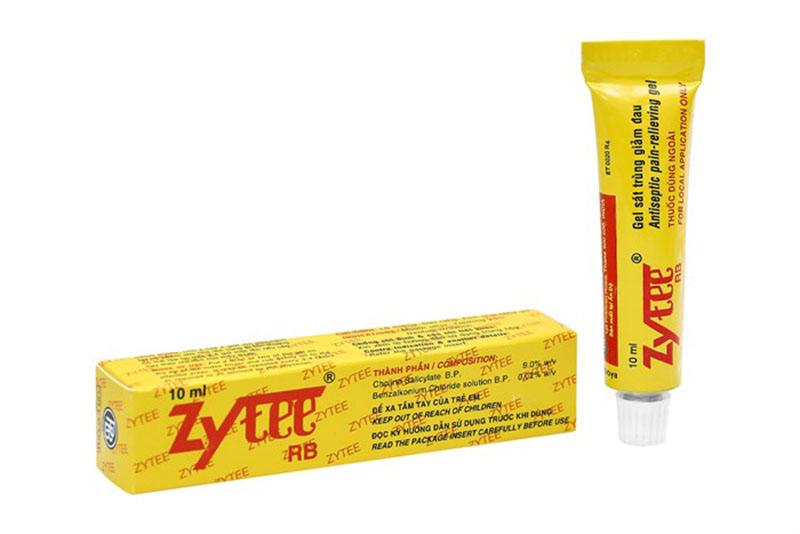 Thành phần chính của thuốc nhiệt miệng Zytee RB là Cholinsalicylat, Clorua Benzalkonium,...