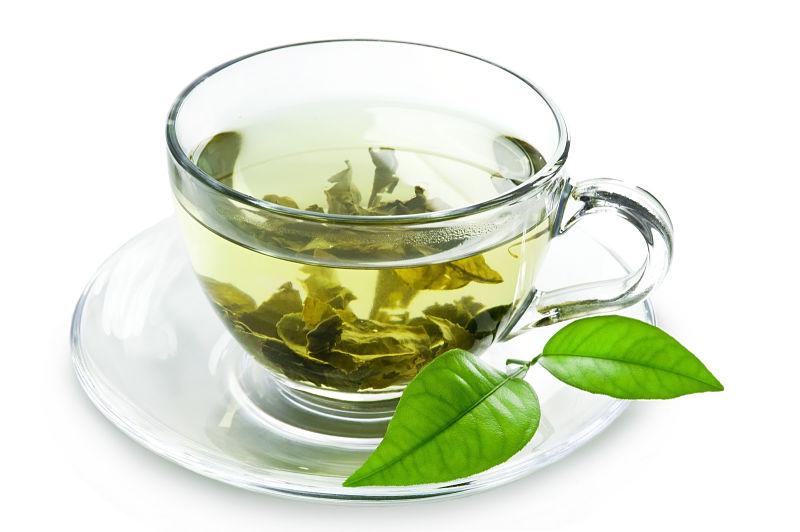 Người bệnh có thể uống nước trà xanh chữa viêm đường tiết niệu