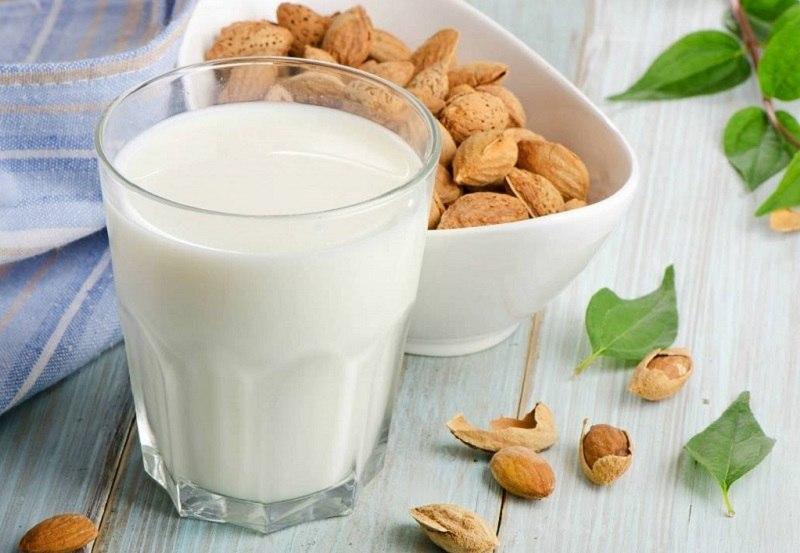 Trào ngược dạ dày có nên uống sữa không là thắc mắc được nhiều người bệnh quan tâm.