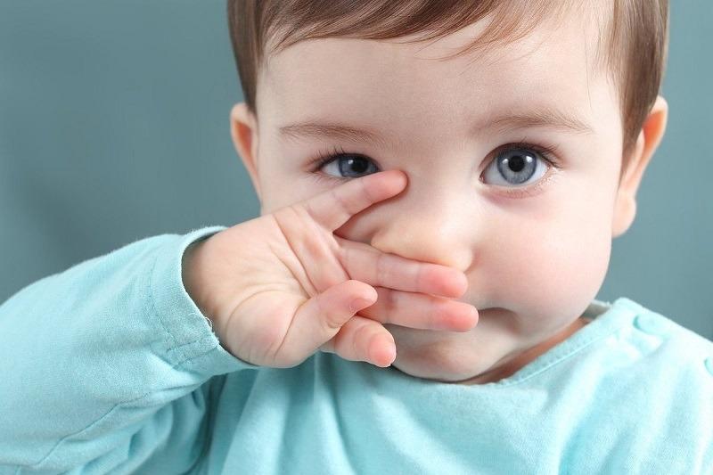 Trẻ bị ho sổ mũi là dấu hiệu của nhiều bệnh lý về đường hô hấp