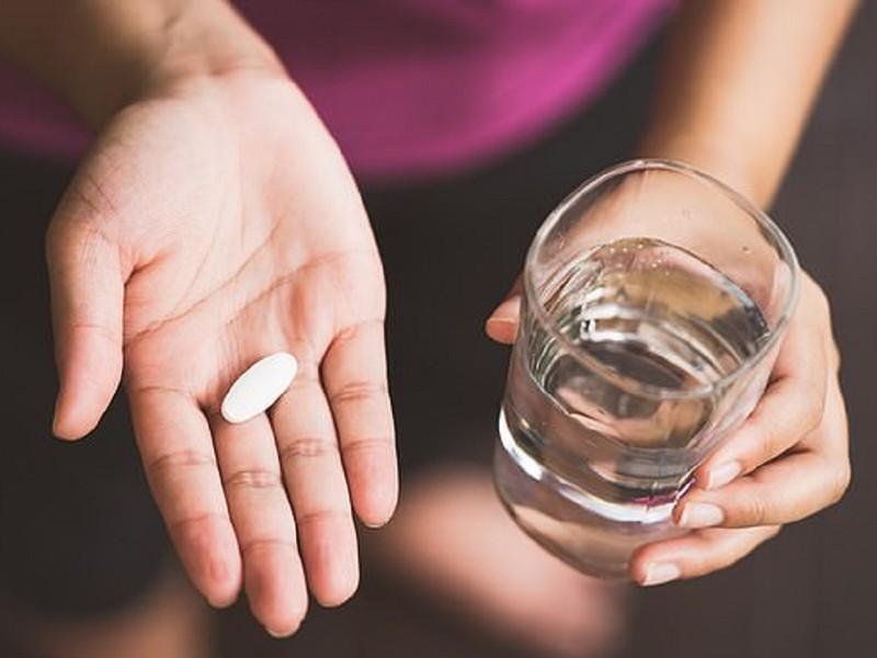 Tây y là lựa chọn của nhiều chị em khi có các triệu chứng dị ứng mỹ phẩm