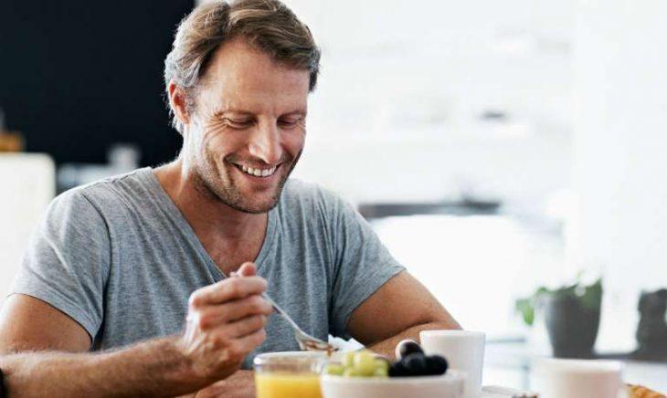 """Ăn gì để cương lâu, bền bỉ sung mãn? 15+ thực phẩm nam giới nên """"nằm lòng"""""""