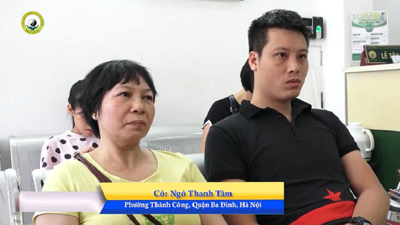 Anh Nguyễn Ngọc Huy (bệnh nhân cũ của Đông phương Y pháp) đưa mẹ đến trung tâm điều trị