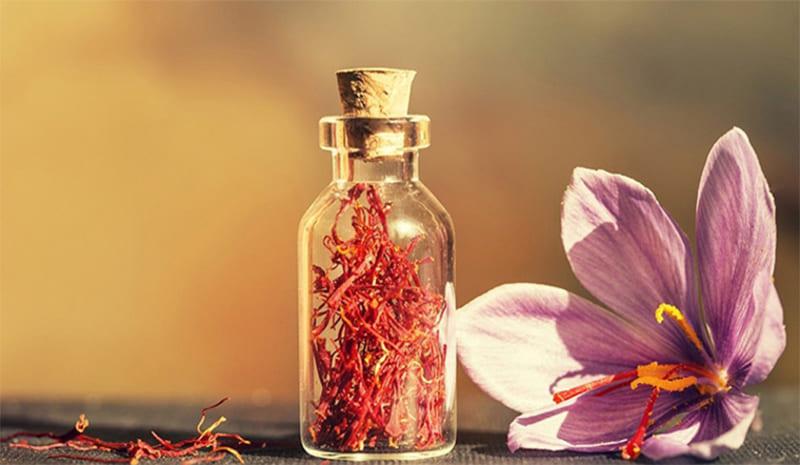 Nhụy hoa nghệ tây dễ sử dụng có thể pha trà, chế biến món ăn, làm đẹp