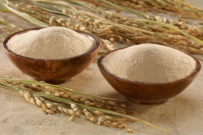 Đắp cám gạo cải thiện sắc tố da ở vùng này