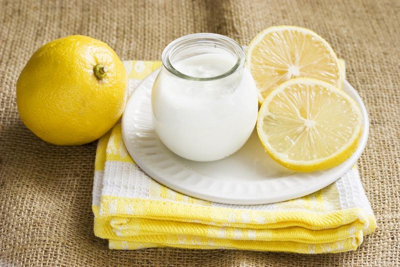 Sữa chua và chanh là công thức trị mụn, làm đẹp da hiệu quả
