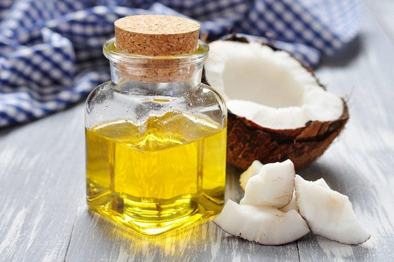 Mụn nhọt giảm nhanh chóng khi sử dụng dầu dừa