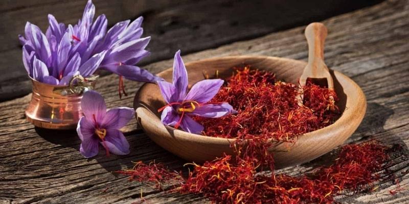 Cách uống nhuỵ hoa nghệ tây giảm cân được nhiều sử dụng và đánh giá hiệu quả