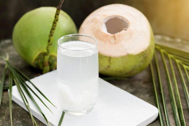 Có thể dùng nước dừa để hỗ trợ điều trị bệnh sỏi thận