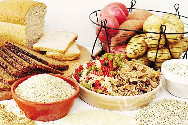 Ngoài việc quan tâm đau bụng kinh ăn gì, chị em nên chú ý không được ăn thực phẩm tinh chế