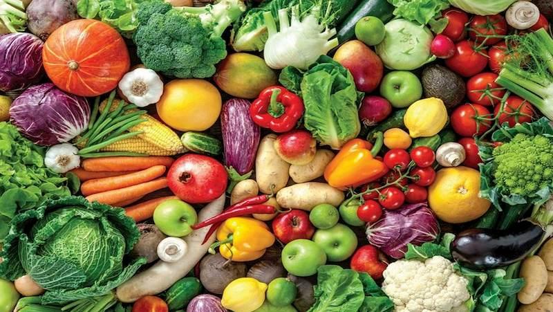 Người bệnh sau khi phẫu thuật cần bổ sung chất sơ bằng cách ăn nhiều rau xanh