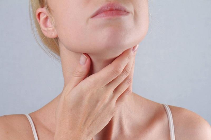 Nổi hạch dưới cằm có phải dấu hiệu của ung thư vòm họng không?