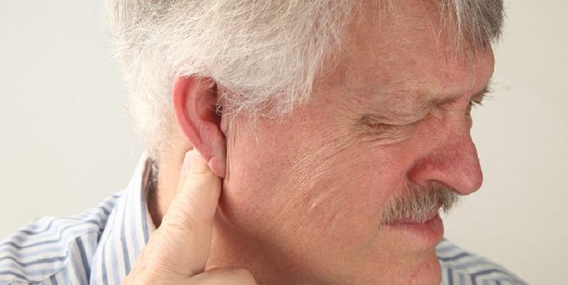 Nổi hạch sau tai có thể do hạch bạch huyết