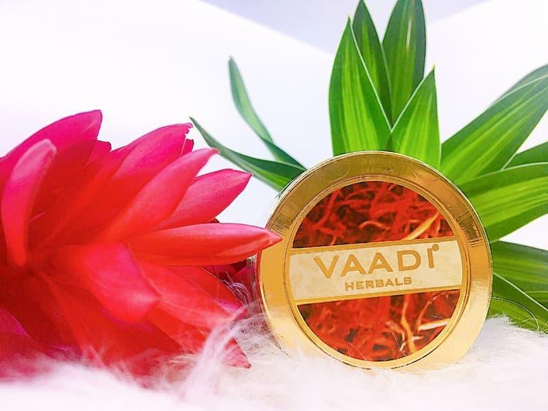 Saffron Skin Whitening Massage Gel 50ml có xuất xứ từ Ấn Độ