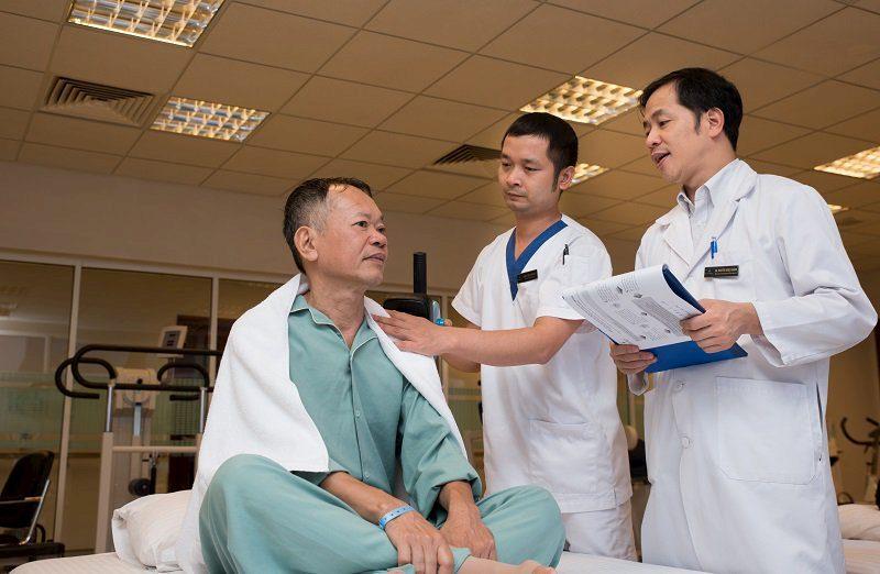 Bệnh nhân mổ hở có thời gian nằm viện và hồi phục lâu hơn so với phương pháp khác