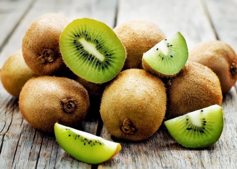 Nên ăn kiwi sau khi cắt để đảm bảo dưỡng chất tốt nhất