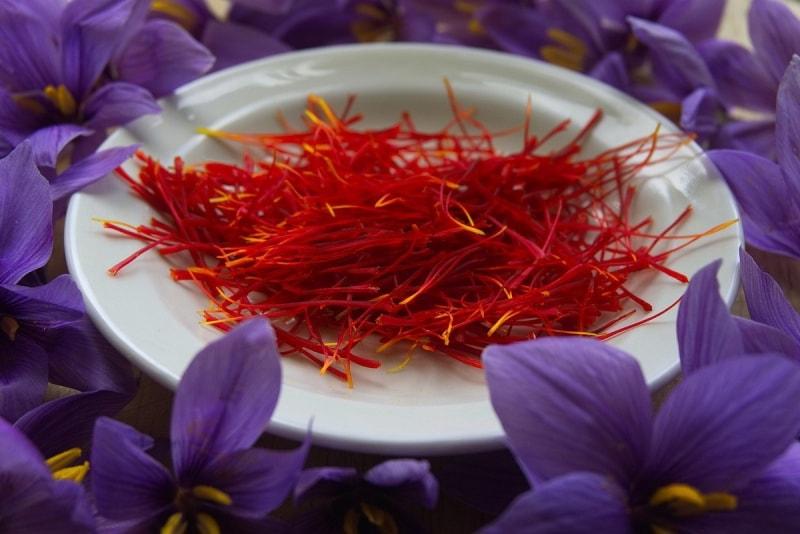 Saffron Badiee có thành phần gồm nhiều vitamin và hoạt chất quý
