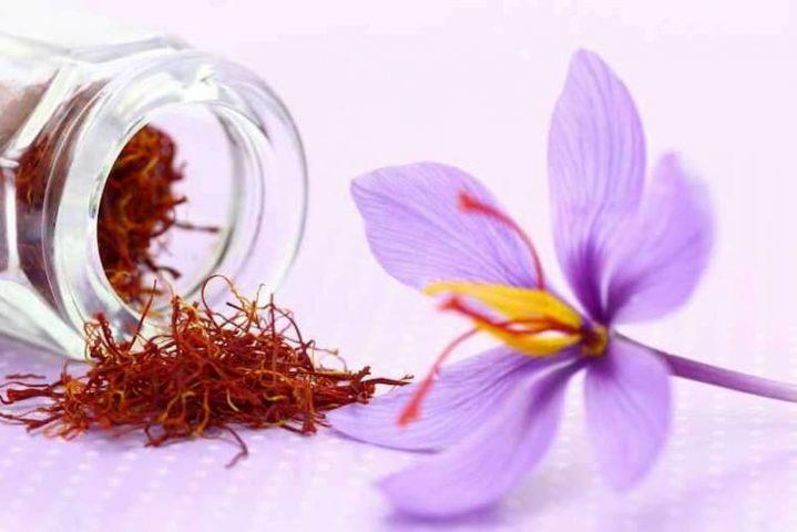 Nhụy hoa nghệ tây trị mụn được không? Cách dùng như thế nào?