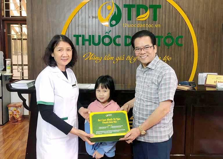 NS Trần Nhượng và cháu gái đã điều trị thành công căn bệnh dạ dày nhờ Sơ can Bình vị tán