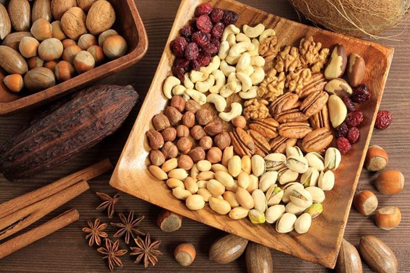 Bổ sung quả và hạt khô vào bữa phụ để cải thiện rối loạn cương dương