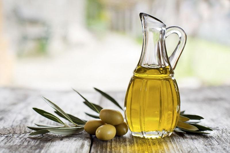 Dầu ô liu nhiều dưỡng chất, chất chống oxy hóa tốt cho da đầu