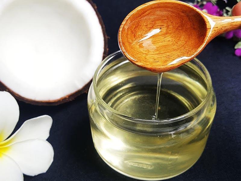 Thành phần của dầu dừa có chứa các axit béo tốt cho da